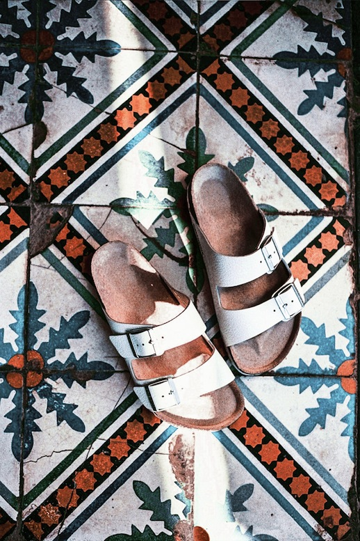 Le-Fashion-Blog-Sunday-Style-Moroccan-Tiles-White-Birkenstock-Sandals-Billabong-FW14-Via-Wolfcub-Chronicles